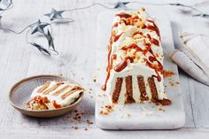 Cream Biscuit with Ginger Biscuit Dessert The Best Cakes Unique cake Ice Cream Desserts, No Cook Desserts, Summer Desserts, Easy Desserts, Dessert Recipes, Christmas Lunch, Christmas Desserts, Christmas Time, Christmas Foods