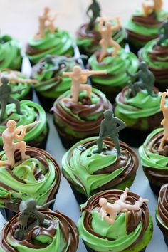 Call of Duty Cupcakes and Birthday Party Ideas, 6 Call of Duty Party games, plus party favor ideas to keep your COD birthday party a ton of fun