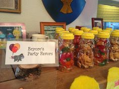 E's Winnie the Pooh Party Favors - Bear containers filled with Gummy Bears and Teddy Grahms