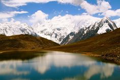 Rush Lake, Nagar Valley is a high altitude lake located near Rush Pari Peak (5,098 m). Rush is one of the highest alpine lakes in the world.