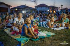 #OutdoorMovie #WestfieldArad #westfield #kids #fun Picnic Blanket, Outdoor Blanket, Beautiful Stories, Kids Fun, Cartier, Beach Mat, Picnic Quilt