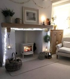 Recamier: know what it is and how to use it in decoration with 60 ideas - Home Fashion Trend Log Burner Living Room, Living Room With Fireplace, Cottage Living Rooms, Home Living Room, Cosy Living Room Warm, Cosy Living Room Decor, Cosy Home Decor, Home Decor Uk, Home Design