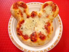 Pizza con forma de Mickey