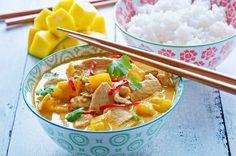 Czerwone curry z mango i kurczakiem w mleczku kokosowym