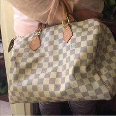 Authentic Louis Vuitton speedy 30 Excellent condition authenticated already by Poshmark itself as authentic Louis Vuitton very nice Louis Vuitton Bags Satchels