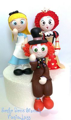 Alice in Wonderland Figures by Sonho Doce Biscuit *Vania.Luzz*, via Flickr