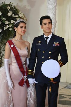 Happy ending for Jao Ying Alice and Lieutenant Commander Davin or not! 🤔 I think the answer is very. Couple Goals Teenagers Pictures, Thai Wedding Dress, Asian Babies, Thai Drama, Princess Style, Young Fashion, Celebrity Couples, Gossip Girl, Traditional Dresses