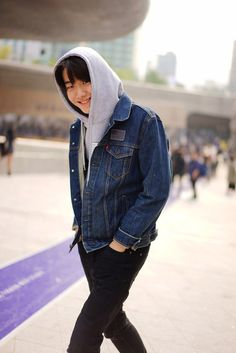 Nicholas from Garbagelapsap brings us a selection of the best looks photographed in the streets of Seoul during Seoul Fashion Week, in exclusive for Fucking Young! Asian Actors, Korean Actors, Korean Drama Quotes, Drama Korea, Korean Model, Asian Boys, Handsome Boys, My Idol, Actors & Actresses