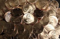 2017 PENNY VALUE - Some 2017 pennies have an unusual P mintmark from the Philadelphia Mint. Here's why + What the 2017 penny is worth. Penny Values, Coins Worth Money, Coin Art, Coin Values, Dollar Coin, Article Writing, Rare Coins, Half Dollar, Coin Collecting