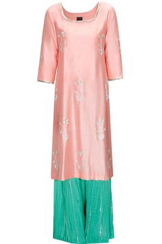 Peach Mughal motif kurta with mint sharara pants available only at Pernia's Pop Up Shop.#shopnow #perniaspopupshop #newcollection #bags #clothing #ayinatbytanyao'connor #festive