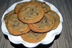 Lucy's Ladle: Thin Chocolate Chip Cookies