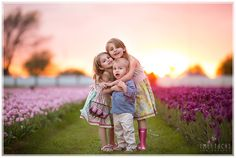 Taty Bromley is using the world's most passionate photo sharing community. Cute Kids, Cute Babies, Family Photos, Couple Photos, Sibling Poses, Peach Blossoms, Girls Dpz, Photographing Kids, Photo Poses