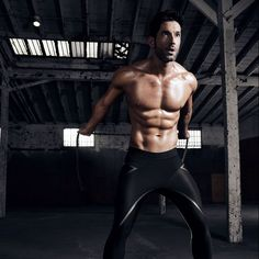 Tom Ellis explains how he got into the best shape of his life just in time to film the fourth season of 'Lucifer', which premieres on Netflix this Wednesday, May Tom Ellis Shirtless, Looks Baskets, Tom Ellis Lucifer, Hommes Sexy, Good Looking Men, Preston, Celebrity Crush, Beautiful Men, Sexy Men