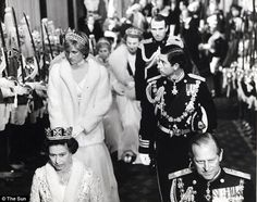 Queen Elizabeth II, HRH Princess Diana [expecting Prince William], Prince Charles and Prince Philip pictured at the opening of Parliament November 1981 Prince Andrew, Prince William And Harry, Prince Philip, Prince Charles, Princess Anne, Royal Princess, Prince And Princess, Princess Of Wales, Princesa Diana
