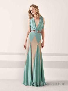 Pronovias 2019 Abiye Elbise Modelleri Yeşil uzun Kolsuz Derin V Yakalı  Fırfırlı Kol Renk Bloklu. Cute DressesFormal ... 661025e8e8f6