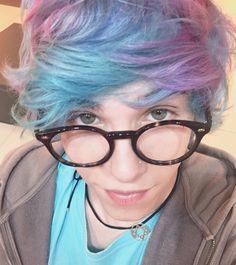 Esse foi o óculos que vocês escolheram pro Erick Míope Mafra!  Pra quem não sabe, siim eu uso óculos mas nunca gostei e preferia usar lente. Mas a convite dos fofinhos da @grandvisionbyfototica me abri e resolvi voltar a usar óculos e foi muuuito fácil porque eles têm óculos liiindos. Obrigado por terem votado no snap e no twitter! <3  #erick #mafra #erickmafra #ogds #ogarotodosonho #novacultura #coexiste