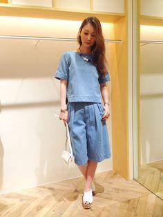 Mila Owen | yumiko suzukiさんのTシャツ/カットソー「Mila Owen デニムセットアッププルオーバー」を使ったコーディネート