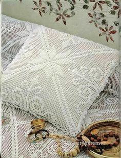 Crochet cushion - see diagram for pattern Filet Crochet, Crochet Tote, Thread Crochet, Crochet Stitches, Crochet Patterns, Crochet Bedspread, Crochet Cushions, Crochet Pillow, Crochet Doilies