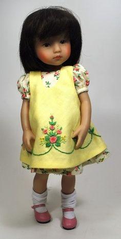 Boneka Dianna Effner vinyl doll