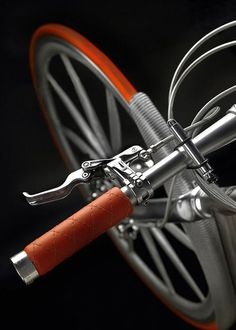 ♂ Bicycle design details Spyker Aeroblade love the brake levers and brake line housing Velo Retro, Velo Vintage, Vintage Bicycles, Cool Bicycles, Cool Bikes, Vw Minibus, Bici Fixed, Scooter Moto, Bike Details