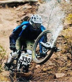 Oooh shit  -------------------------------- #mtb#downhill#fail#fork#cc#picoftheday#sick#failoftheday#fox#foxmtb#race#broken#follow