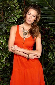 Dżersejowa sukienka od Happy Holly, http://www.halens.pl/moda-damska-rozmiary-specjalne-na-gore-5828/sukienka-florena-556057?imageId=393878&variantId=556057-0241 + naszyjnik http://www.halens.pl/moda-damska-akcesoria-i-dodatki-bizuteria-5802/naszyjnik-denice-551474?imageId=341715&variantId=551474-0104
