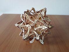 Oggetto matematico di design, in legno, tagliato al laser. Geometria sacra. di DragonHawk666 su Etsy