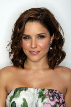Sophia Bush: I like her wavy shoulder length hair