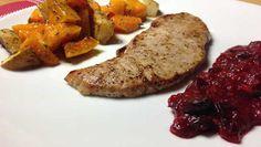 Warum immer Preiselbeeren? Auch Cranberrysauce passt toll zu Fleisch! Sauer durch Cranberry, süß durch Honig, scharf durch Ingwer: Mit nur 5 Zutaten.