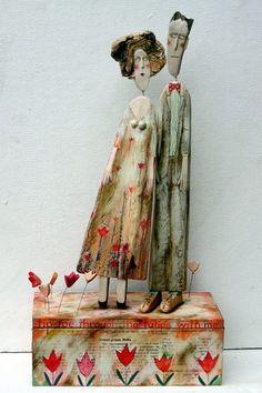 Lynn Muir wooden figures Tiptoe through the tulips