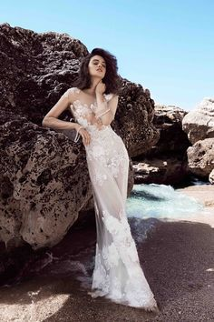 Fiona Wedding Gown.  Otilia Brailoiu Atelier Dress from Cruise 2016 Collection