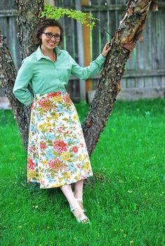 Michelle's favourite See & Sew 5076 skirt pattern gets a floral makeover #vintagepledge