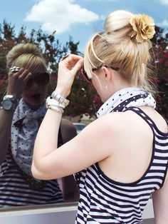 I've done this with a bow, now I wanna try with the flower :)