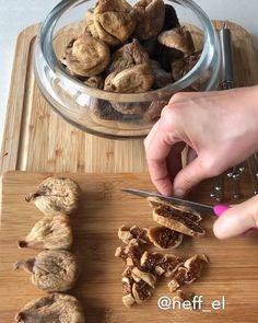 Bu tarifte un yok yağ yok ? ve uzuuun … – Sebze yemekleri – Las recetas más prácticas y fáciles Healthy Gluten Free Recipes, Healthy Dessert Recipes, Cookie Recipes, Sweet Cookies, Yummy Cookies, Food Porn, Cupcakes, Food And Drink, Instagram