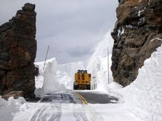 trail ridge road colorado photos | vehicle faces deep snow on Trail Ridge Road in Rocky Mountain ...