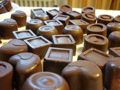 Boszorkánykonyhatündér: Bonbon-készítés házilag - első felvonás Mousse, Nespresso, Sweet Recipes, Food And Drink, Xmas, Candy, Cookies, Chocolate, Drinks