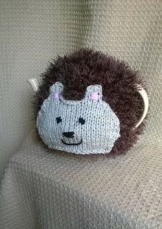 Horace the Hedgehog Tea Cosy made by Biskettblue