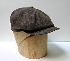 Men's Newsboy Cap in Vintage Brown Herringbone door HatsWithAPast Vintage Wool, Vintage Men, Vintage Fashion, Moustache, News Boy Hat, Sharp Dressed Man, Cool Hats, Men's Grooming, Wedding Suits