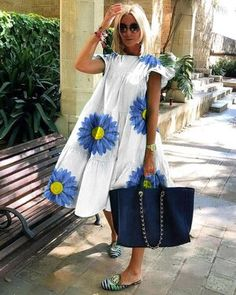 Casual fresh flower midi dress Fashion Themes, Fashion Dresses, Style Fashion, African Print Fashion, Dress Brands, Pattern Fashion, Nice Dresses, Summer Dresses, Ideias Fashion