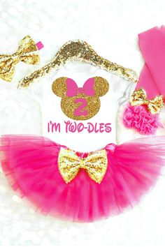 Twodles Birthday Outfit is the perfect Minnie Mouse 2nd Birthday Outfit. Wear for any Oh Twodles birthday party theme! #twodles #minniemouse #secondbirthdayoutfit #ohtwodles #imtwodles