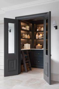 Kitchen Pantry Design, Home Decor Kitchen, Interior Design Kitchen, Home Kitchens, Kitchen Ideas, Kitchen Pantries, Kitchen Cabinets, Pantry Interior, Kitchen Pantry Doors