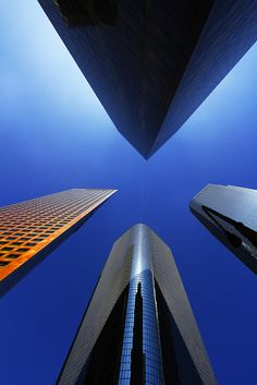look up, L.A #city #architecture #skyscrapers #colour #shape