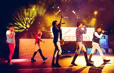Indescribable <3 I love this picture so much :'D Louis Tomlinson, Niall Horan, Harry Styles, Liam Payne, and Zayn Malik - One Direction <3