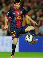 Messi | Controlando el balón, encuentro disputado en el Camp Nou ante Granada 0-2 FC Barcelona.