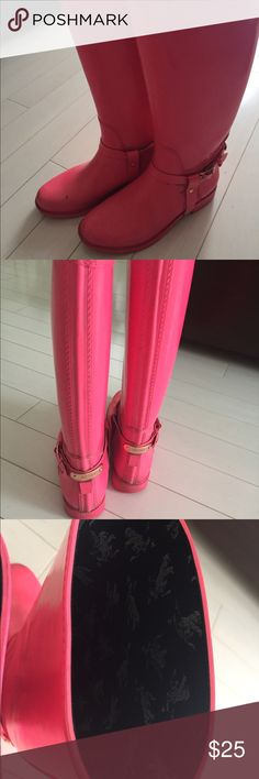 Ted Baker rain boots size 7 Bright pink color. They are used with signs of wear and dirt. Haven't try to clean them and price accordingly. Purchased for 140$ Ted Baker Shoes Winter & Rain Boots