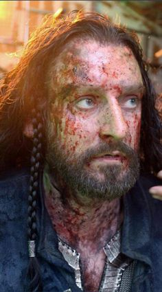 Thorin all bloody...