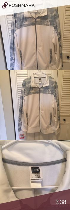 North face men's sweater new with tags Brand new with tags men's north face  Zip up thick sweater  Size XL Sweaters Zip Up