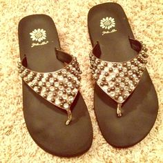 Yellow Box jeweled flip flops GUC. Some wear Shoes
