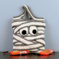 Momia Halloween pedir dulces bolsa mano de por StitchedInADream