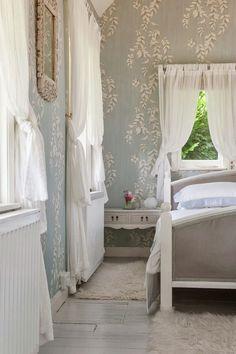 Life of a Bachelorette : Photo Bedroom